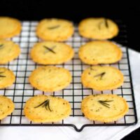 Simple & Spicy Rosemary Thins