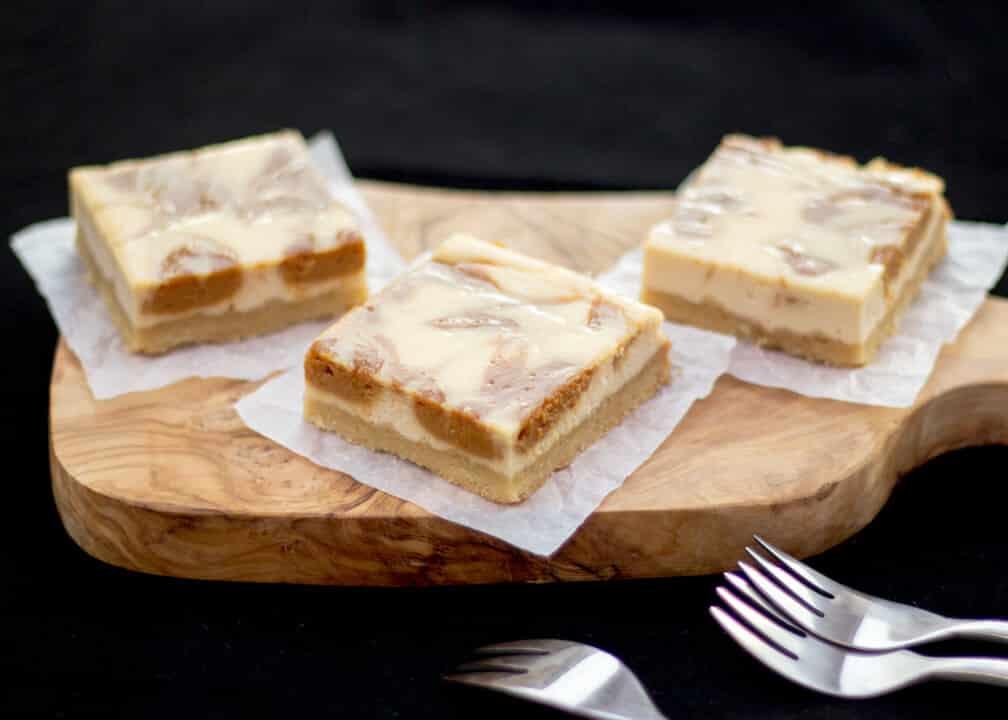 Caramel Cheesecake Bars | Baked Cheesecake | Traybake | Easy