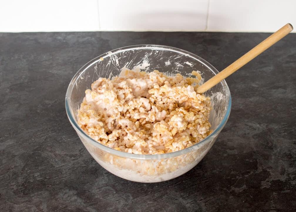 Caramel Krispie Bars: the krispies mixture in a glass bowl