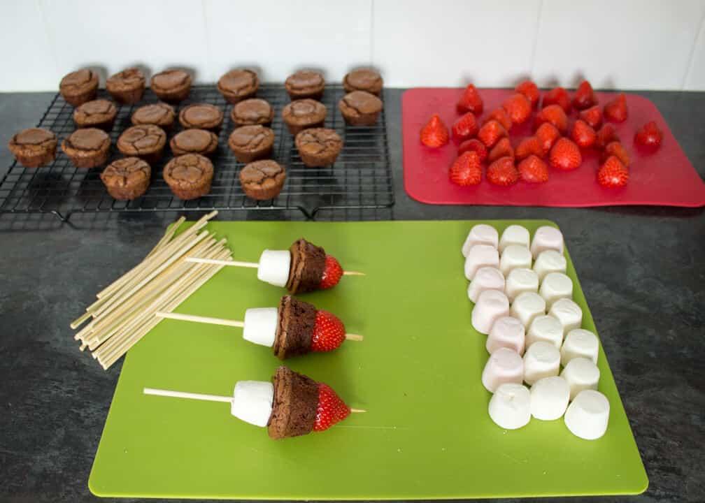 Strawberry Brownie Lollipops