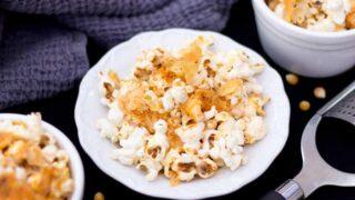 Crunchy Garlic Parmesan Popcorn