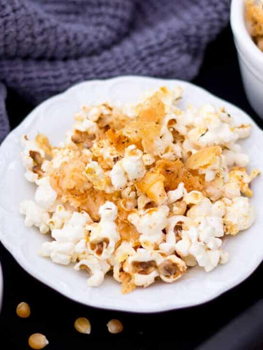 Garlic Parmesan Popcorn | Easy Popcorn Recipes | Easy Savoury Snacks