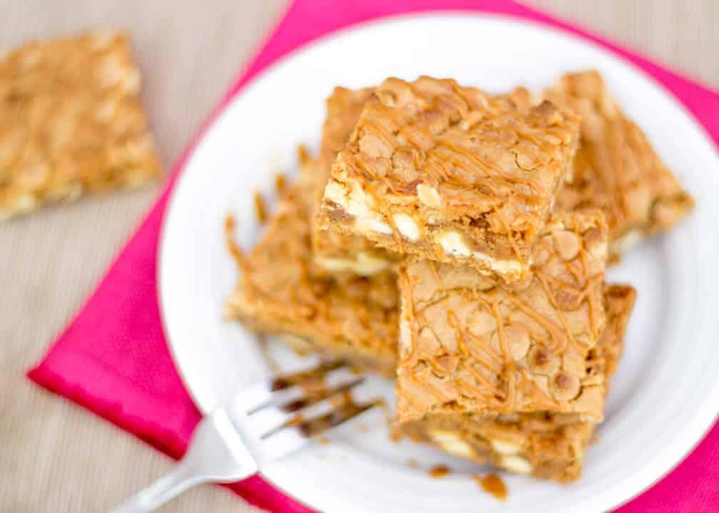 Biscoff White Choc Chip Blondies - KitchenMason - Easy ...