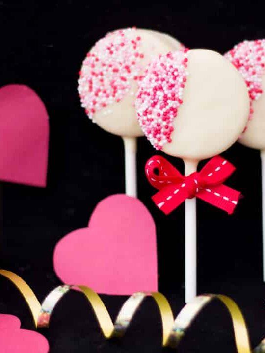 Valentines Day Oreo Pops   Easy   Chocolate   Homemade   Lollipops