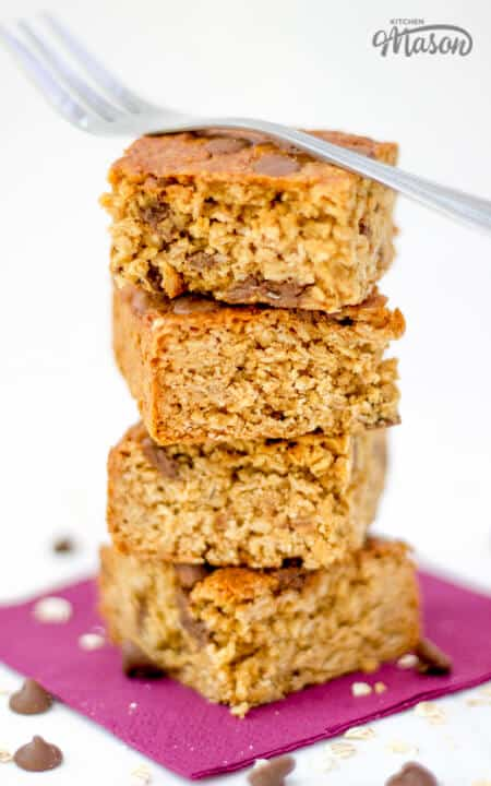 Healthy Chocolate Chip Flapjack | Granola | Bars | Tray Bake | Biscoff