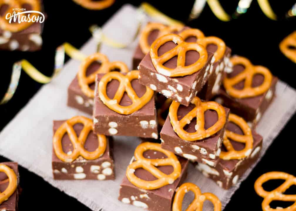 Nutella Pretzel Fudge | 4 Ingredient | No Bake | Homemade | Chocolate