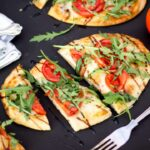 Naan Pizza | 15 min | Tomato | Mozzarella | Quick | Bread | Speedy