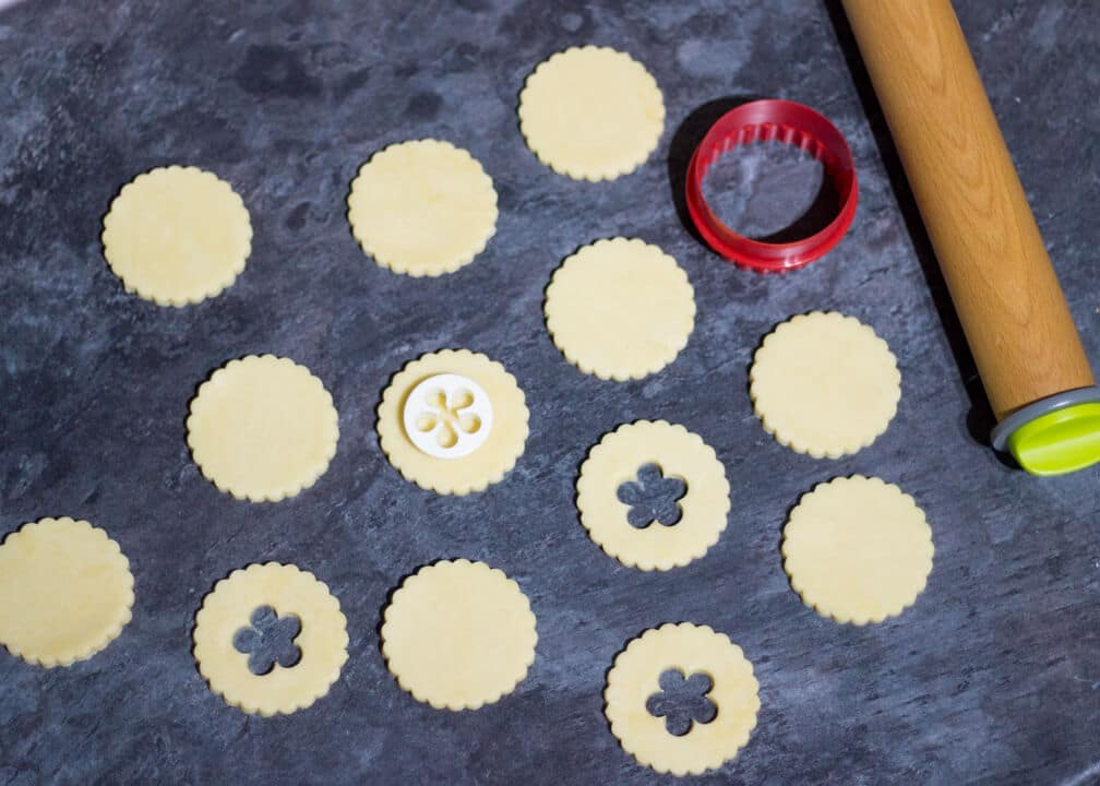 Jammy Dodger Recipe | Easy Cookie Recipes | Favourite Biscuit Recipes