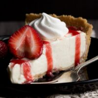 Easy No Bake Vanilla Strawberry Cheesecake Recipe