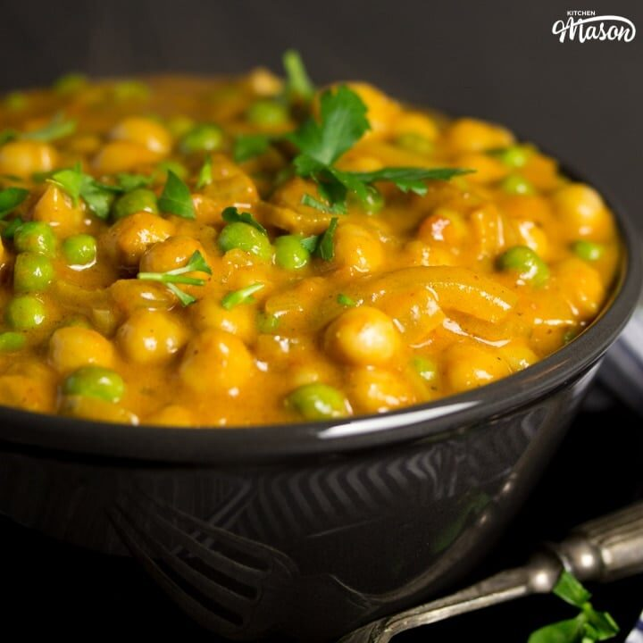 CRAZY Tasty Coconut Chickpea Curry